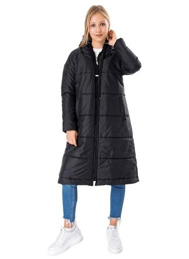Butikburuç Kadın Taş Uzun Kapşonlu Şişme Mont Siyah